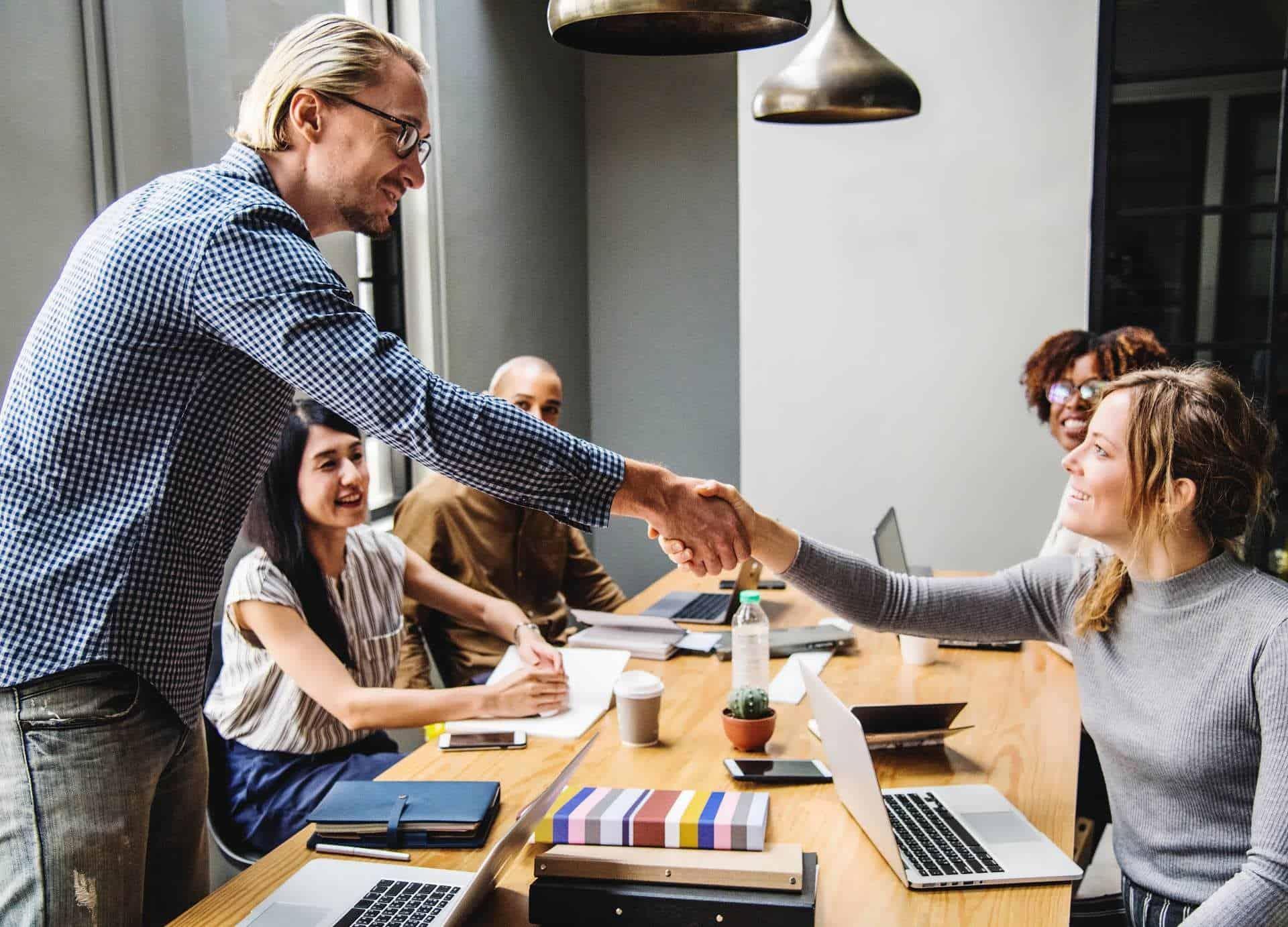 adult business deal colleague 1265902 - Corsi Finanziati